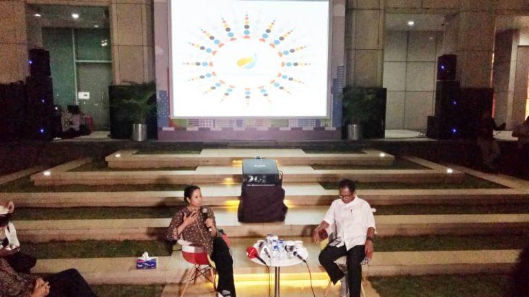 Ngobrol santai dengan ibu menteri Rini Soemarno -kump