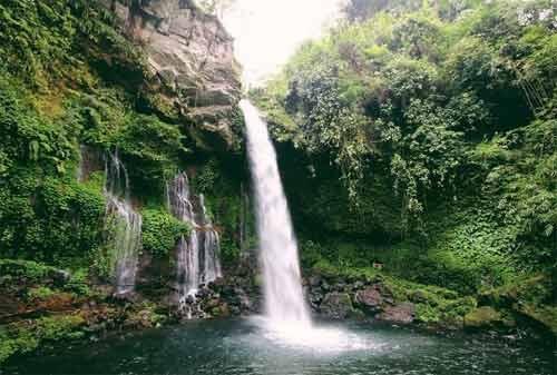 Curug Tilu Leuwi Opat. Sumber: finasialku.com