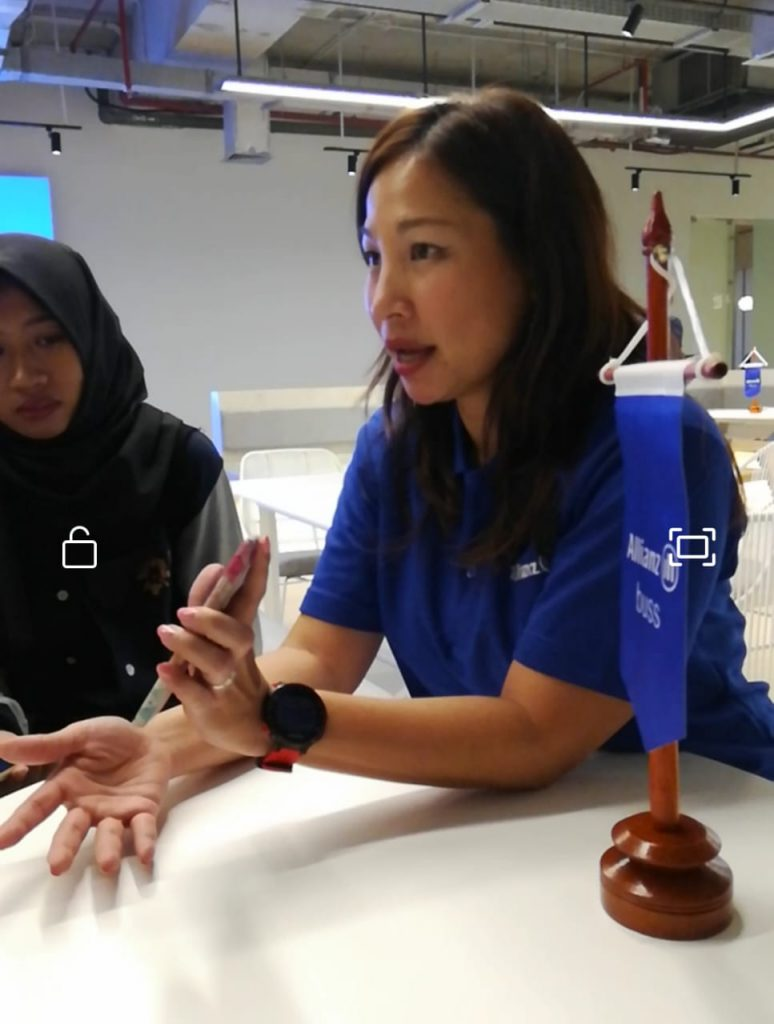 Ibu Karin Zulkarnaen Market Management Allianz Indonesia