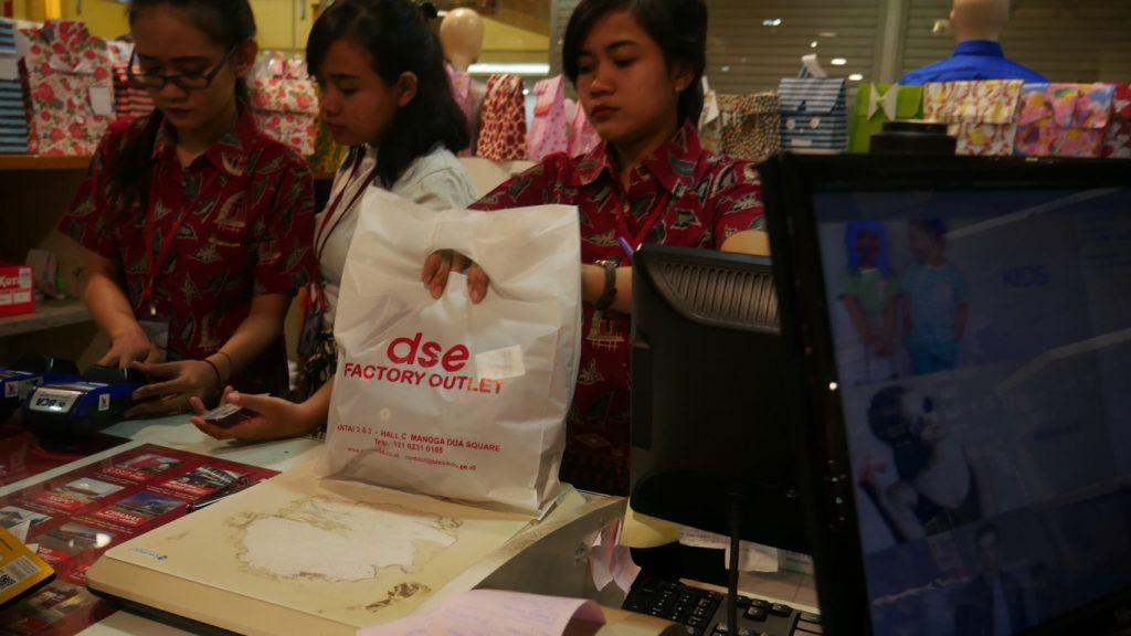 Shopping ke Factory Outlet Jakarta Yuk