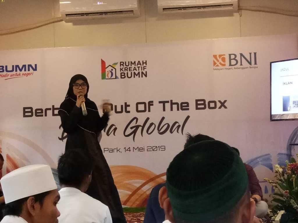 Halal Park Senayan Selly Hadiyati (Santana Konveksi dan Model Endorse)